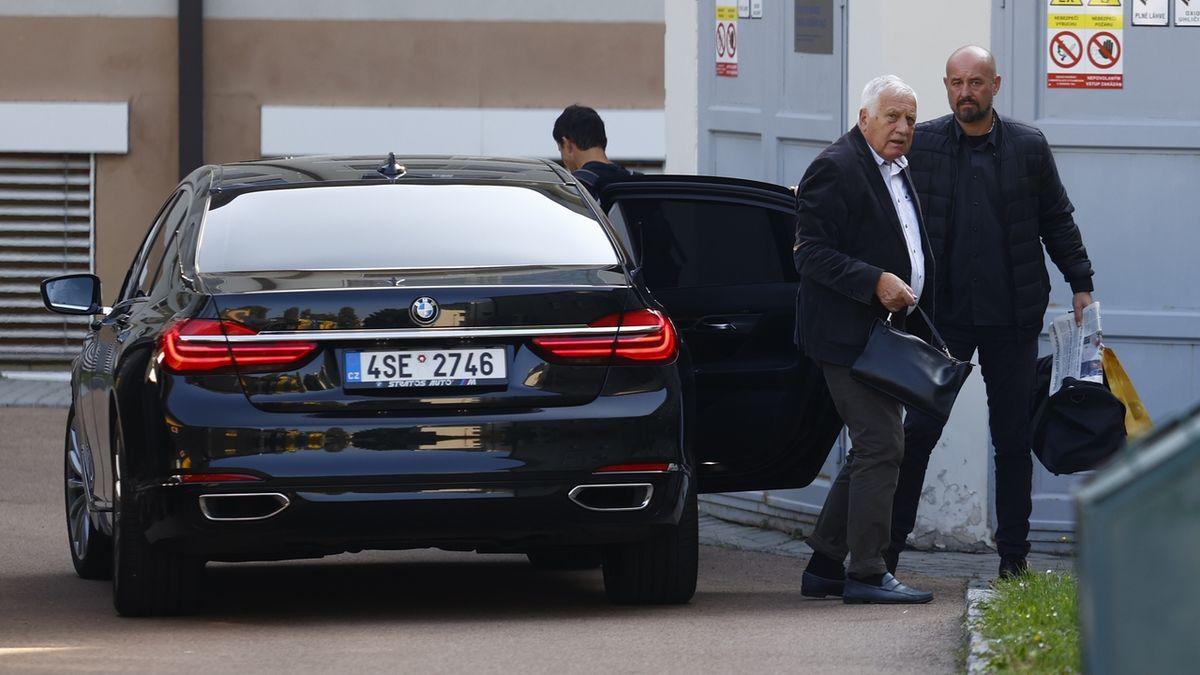Václav Klaus je v nemocnici, trápí ho vysoký tlak