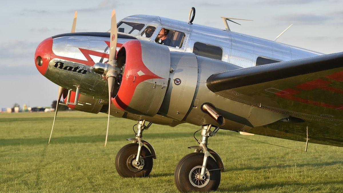 Slet letadel ve Vyškově je oslavou československého leteckého průmyslu