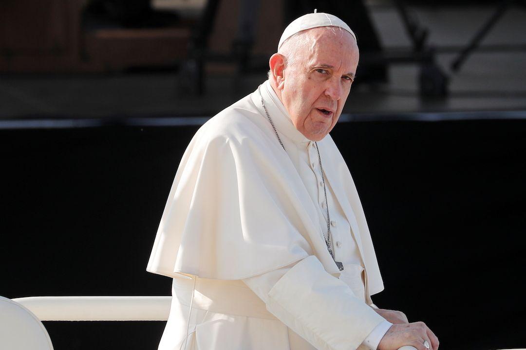 Papež František na cestě na bohoslužbu v Šaštíně.