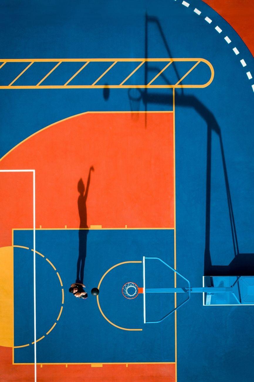 Jedna střela (Hongkong) - Doporučeno porotou v kategorii Sport. Hongkongský basketbalista Huen Hang Hyman trénuje během otevření stadionu v červenci 2020.