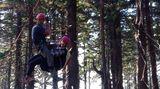 Paraglidistka se vKrkonoších zřítila do korun stromů, ostatní letci zahltili tísňovou linku