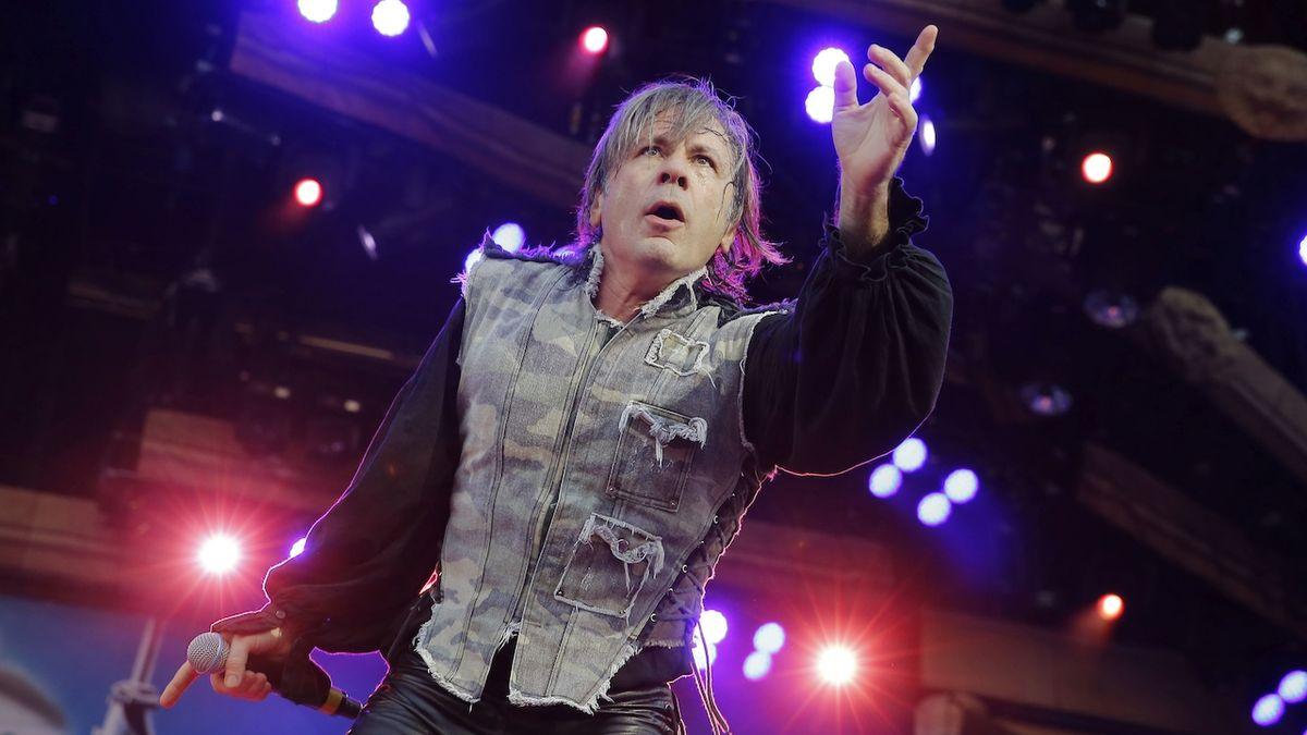 RECENZE: Velký hudební příběh Iron Maiden