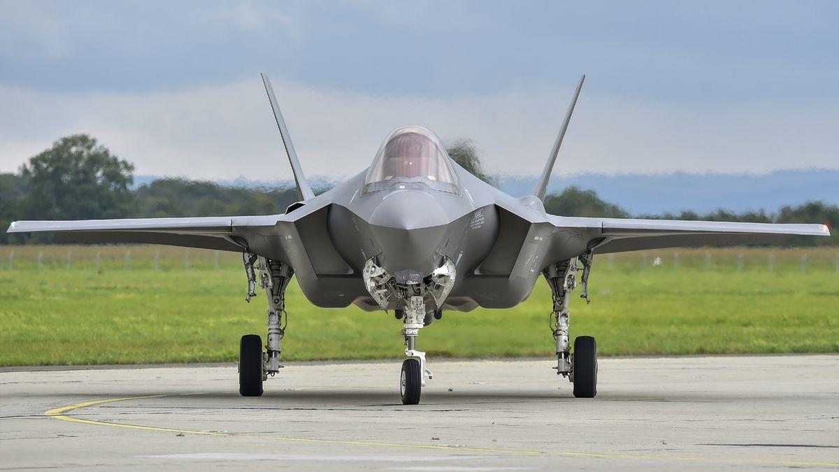 U Ostravy přistál letoun F-35, jedno z hlavních lákadel Dnů NATO
