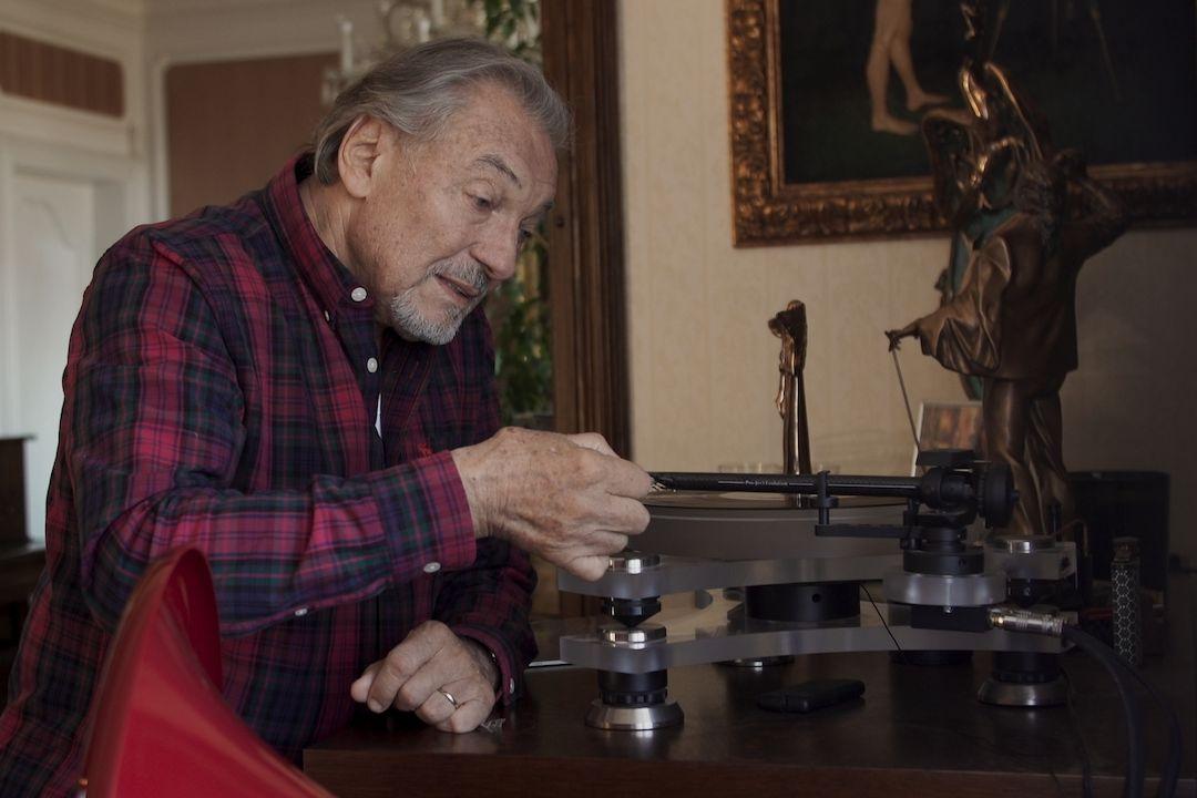 Karel Gott posílá film jako dárek fanouškům.