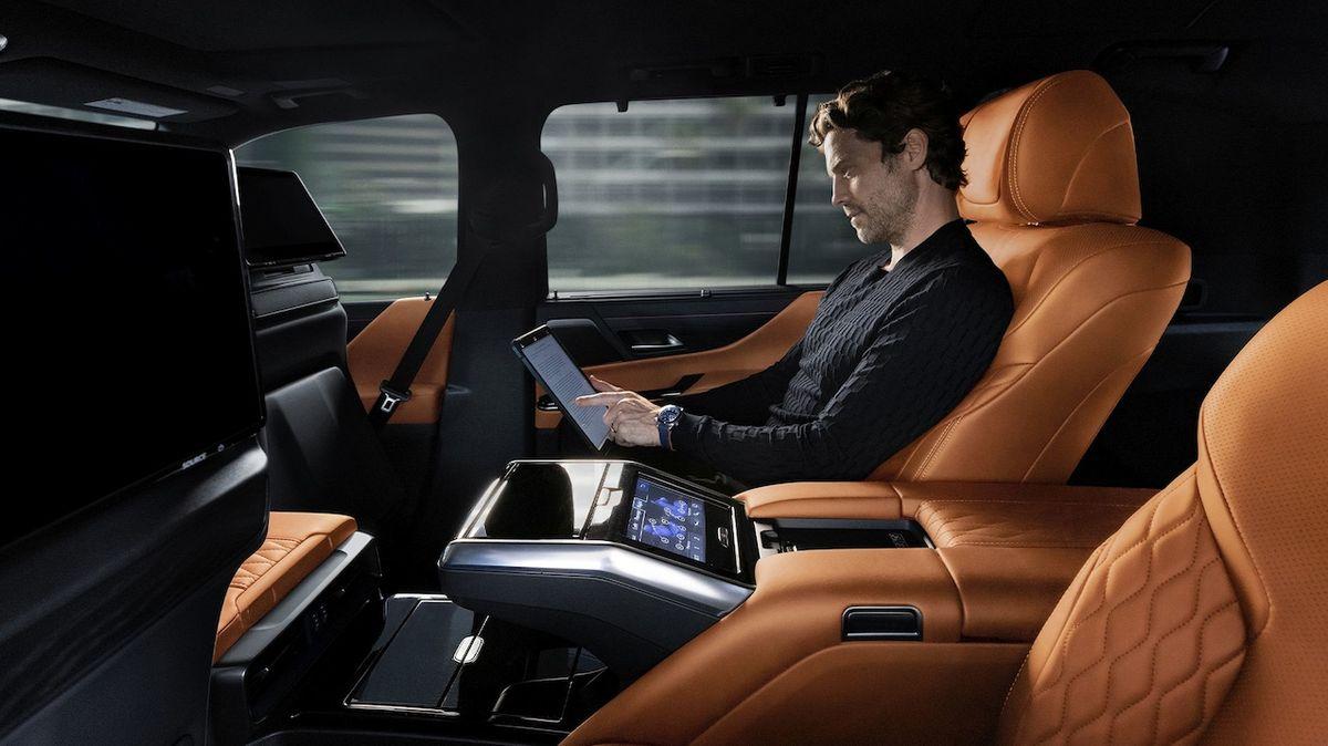 Verze Ultra Luxury se soustředí na komfort zadních pasažérů.