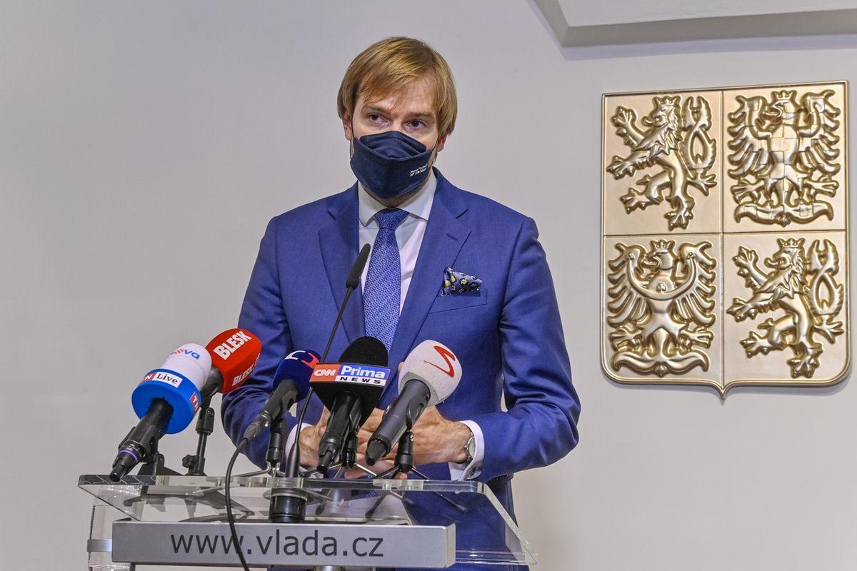 Ministr zdravotnictví Adam Vojtěch po středečním jednání vlády