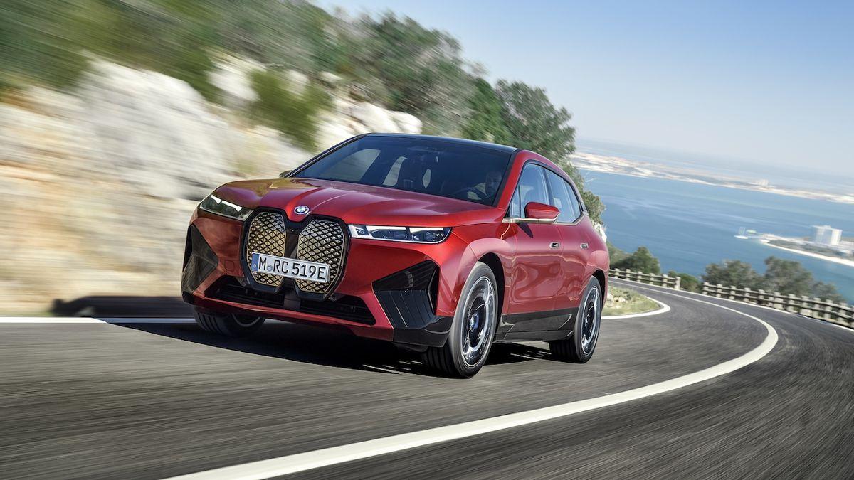 BMW iX má ceny pro český trh, je elektrickým ekvivalentem X5
