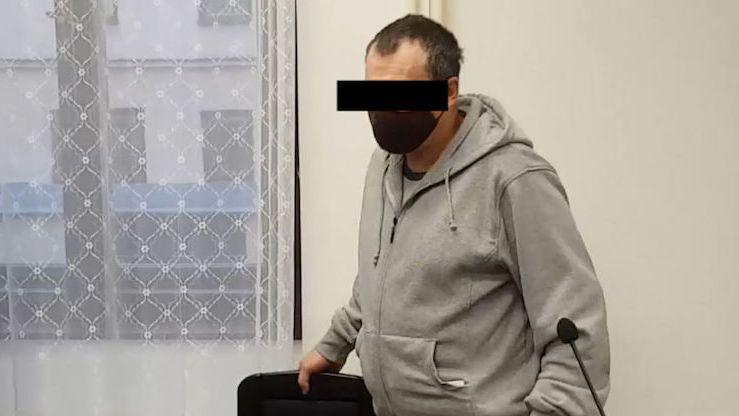 Muž z Tachovska znásilňoval dcery, dostal osm let vězení
