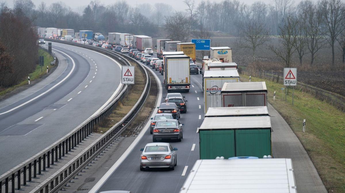 Rakousko zavádí kontroly na hranicích
