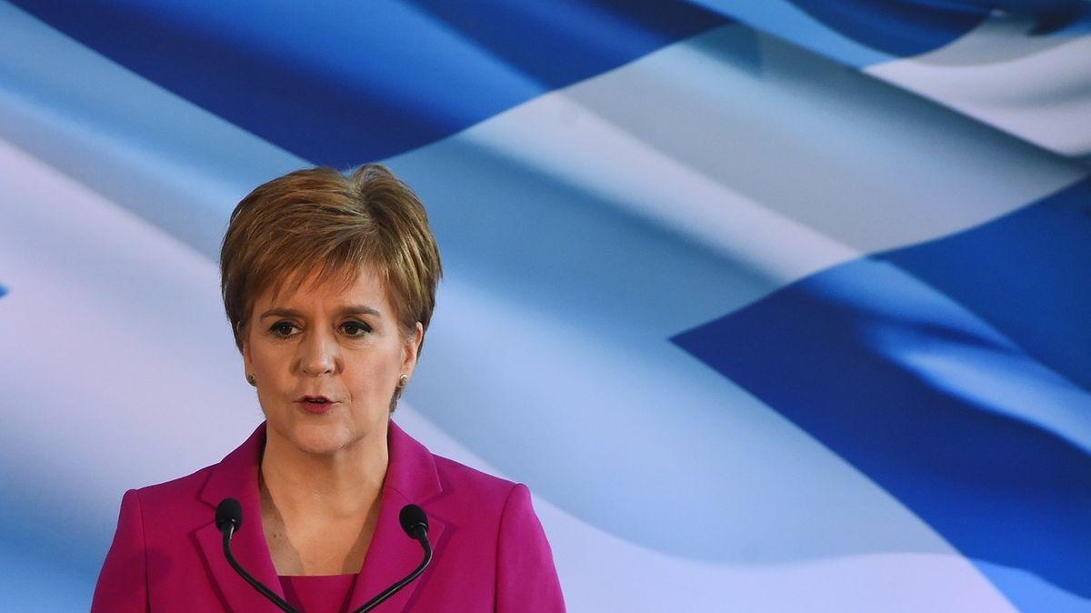 Johnson je plachá myška, o nezávislosti si rozhodneme sami, slíbila skotská premiérka