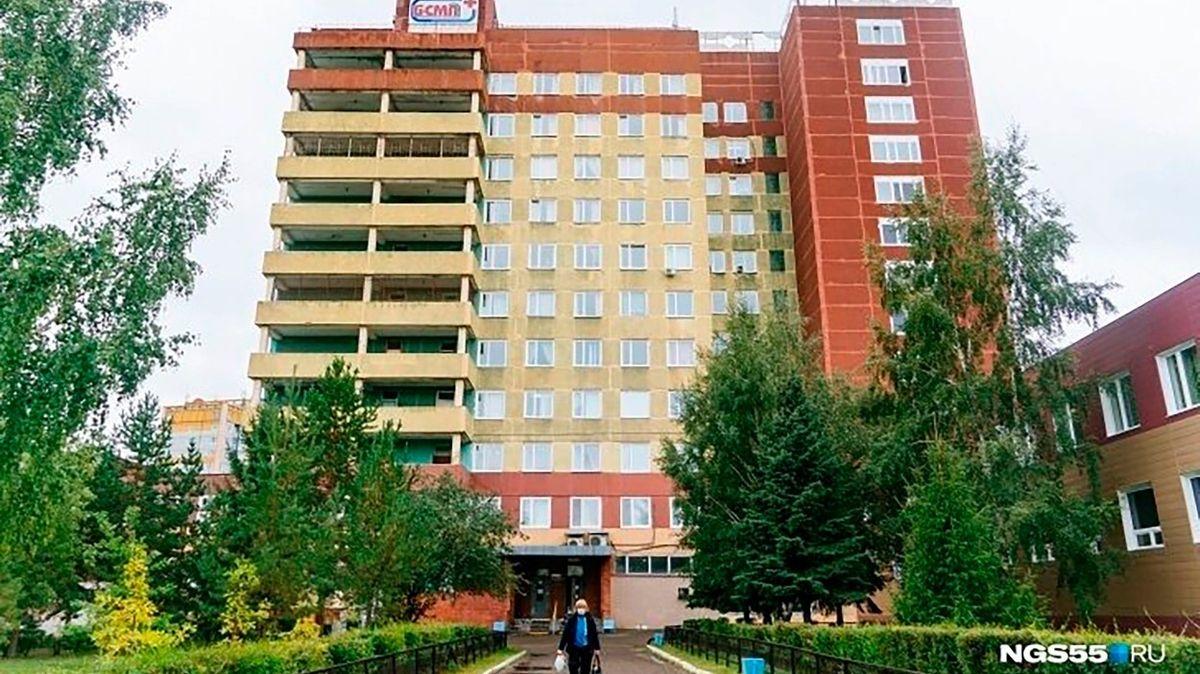 V Omsku náhle zemřel lékař, který se staral o otráveného Navalného