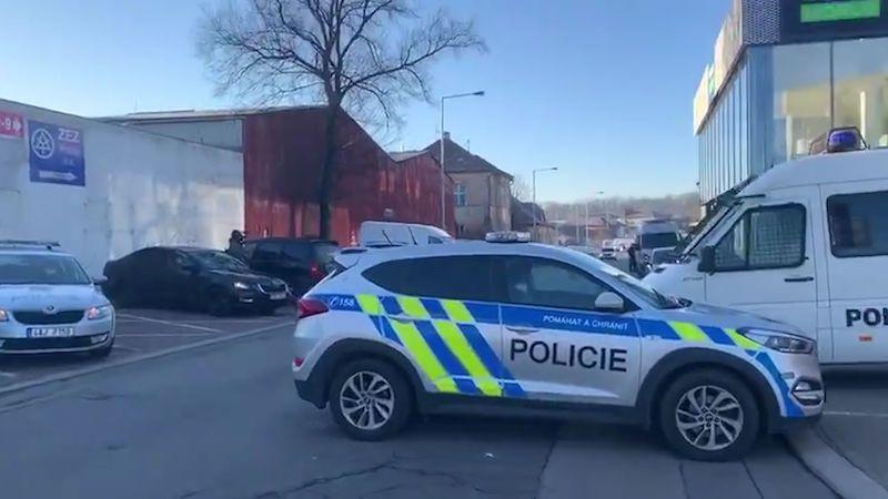 Policie v sobotu otočila 170 aut. V neděli stejně bleší trh v Praze otevřel