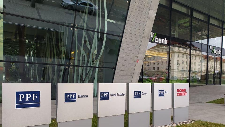 Skupině Air Bank v pololetí stoupl zisk na 877 milionů