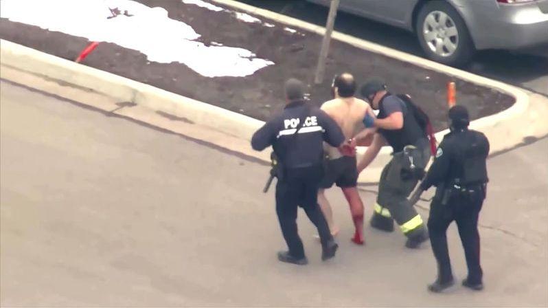 Mezi 10 oběťmi střelby v Boulderu je policista i prodavač, který zachraňoval ostatní
