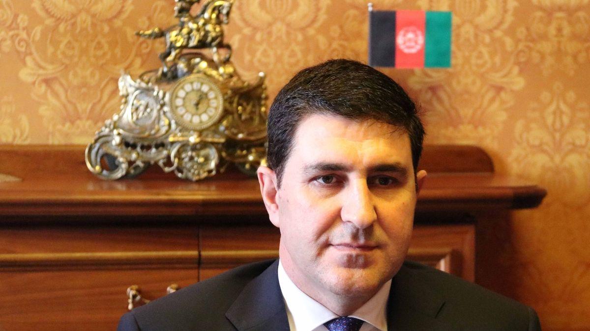 Bleskový návrat Tálibánu zaskočil i afghánského velvyslance v Praze