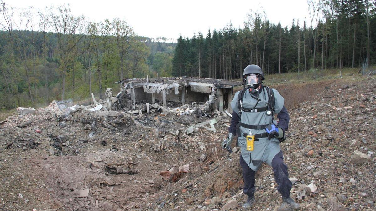 Poslanci odklepli odškodnění za výbuchy ve Vrběticích