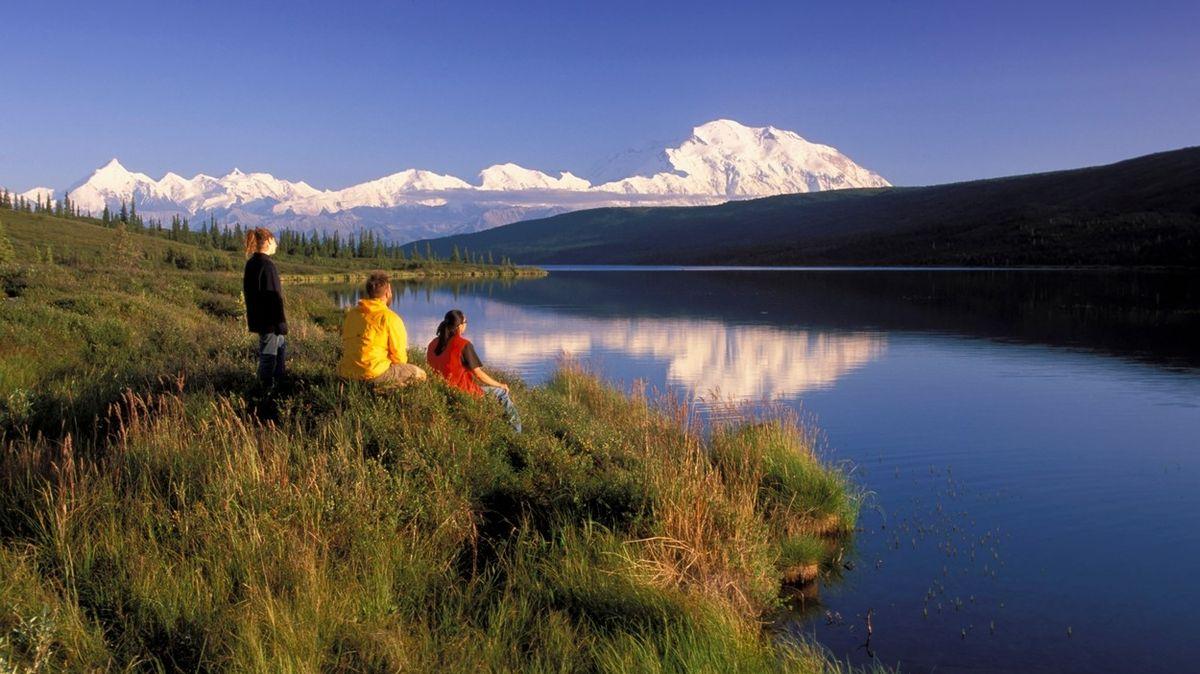 Aljaška chce turisty nalákat na očkování zdarma. Nabídne dvě dávky