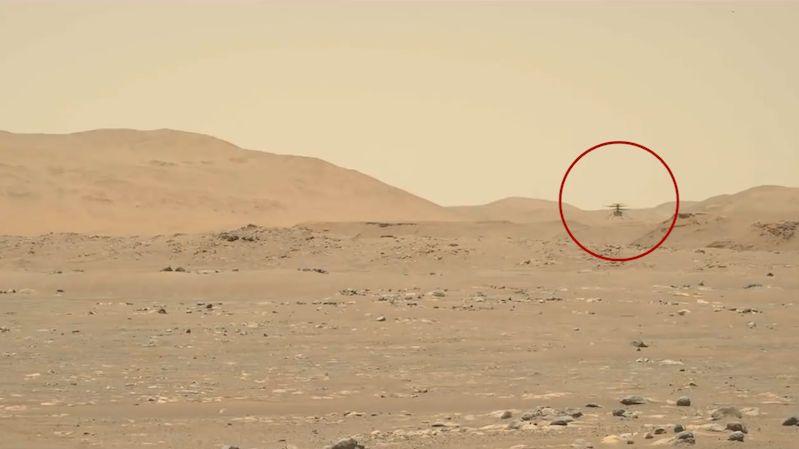 Ingenuity si podmanila Mars. Helikoptérka letěla už potřetí a nejrychleji, urazila 100 metrů
