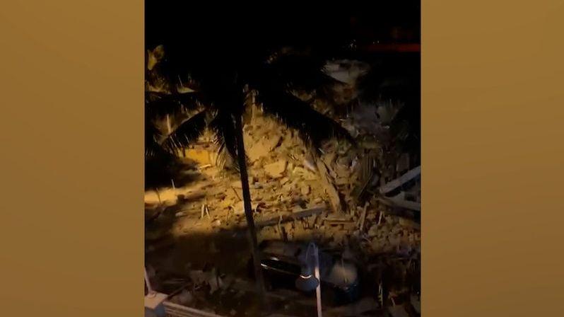 V Miami se zřítil 12patrový dům. Z trosek se ozývá křik