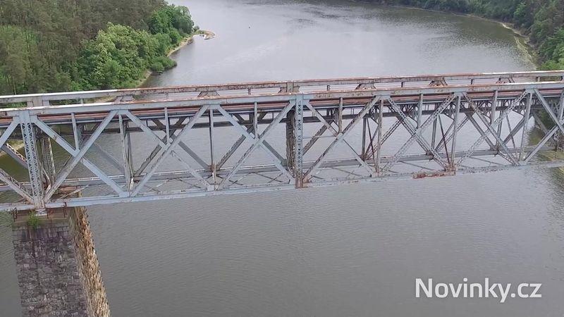 Dřív dominantou, teď přítěží. Unikátnímu mostu z dob Rakouska-Uherska hrozí demolice