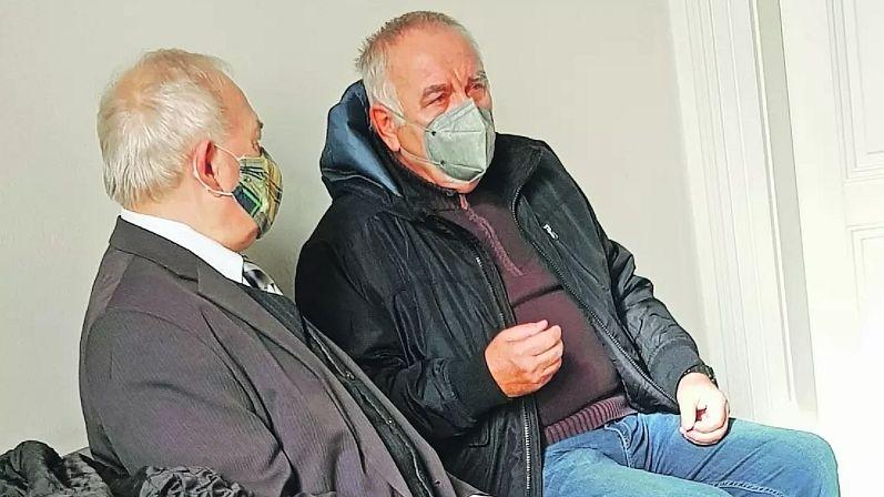 Za cinknutý posudek potvrdil soud znalci podmínku