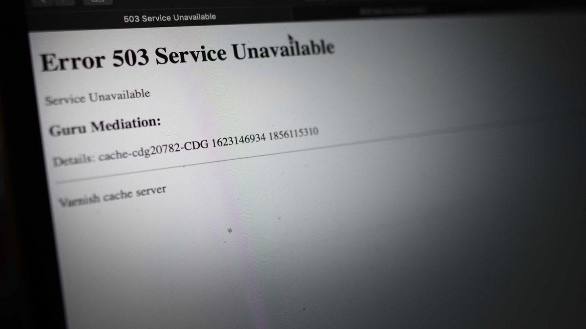Desítky významných webů postihl rozsáhlý výpadek