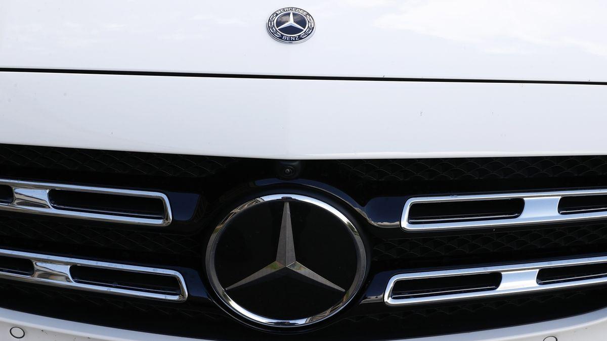 Mercedes bude připraven na nucený přechod k elektromobilitě, říká šéf
