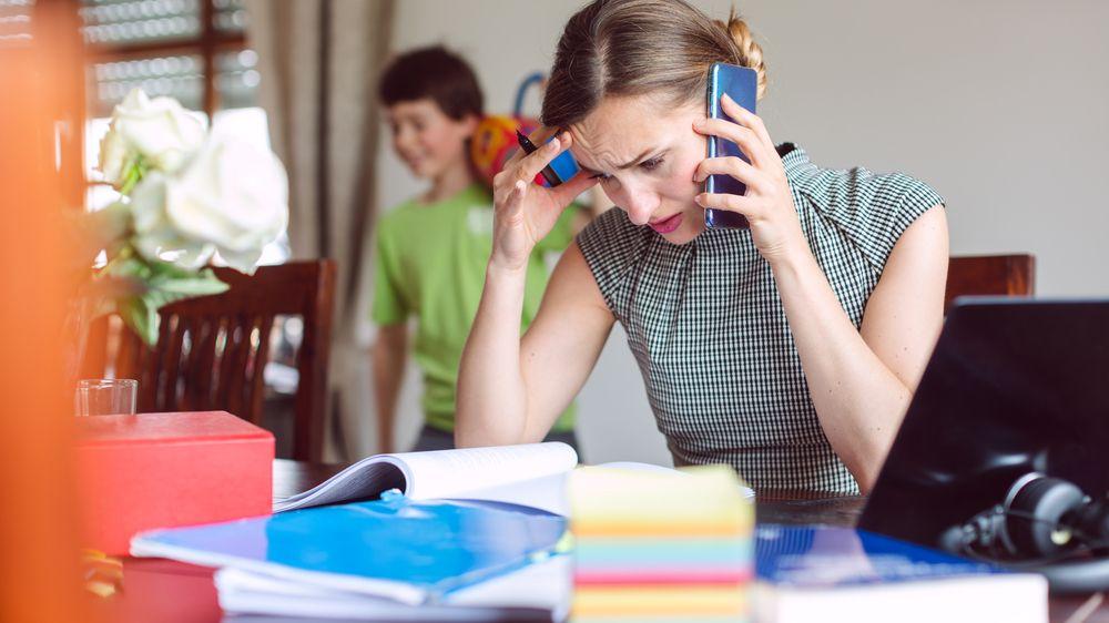 Průzkum: Zaměstnanci mají více práce a jsou častěji ve stresu
