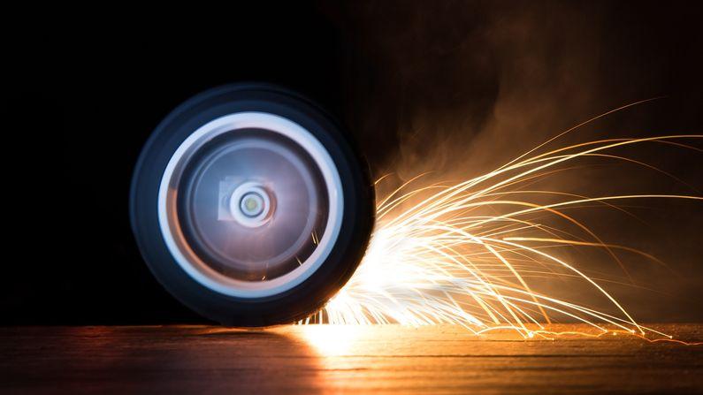 Rusové roztočili pneumatiku na 620 km/h a čekali, co se stane