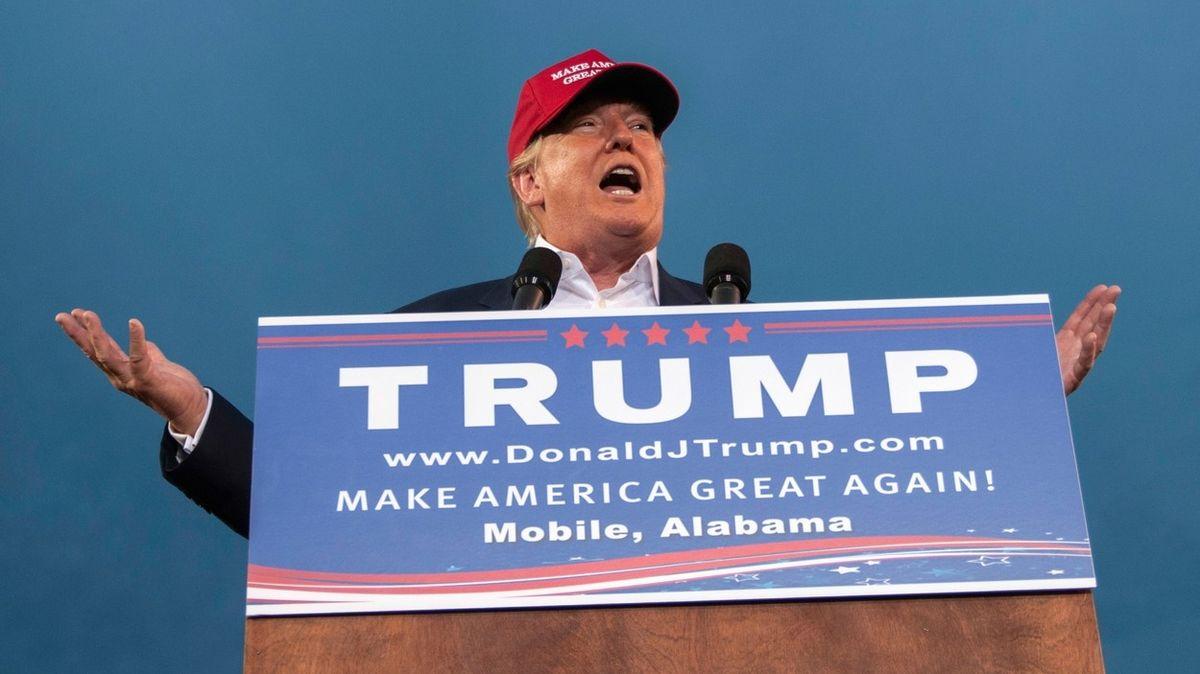 Trump vyrazí na turné. A naznačuje, že bude znovu kandidovat na prezidenta