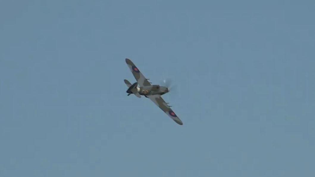 Do Prahy přiletěla válečná stíhačka Hawker Hurricane
