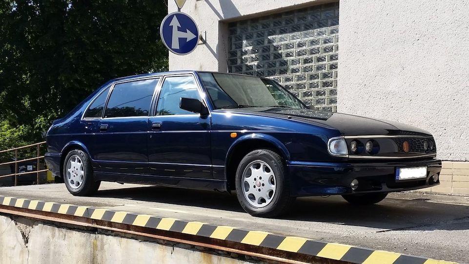 Tatra 700 po předsedovi senátu je na prodej v krásném stavu, ale za pořádný balík