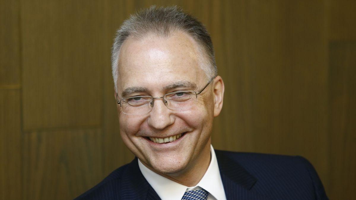 Šéf BIS Koudelka získal stříbrnou medaili Senátu