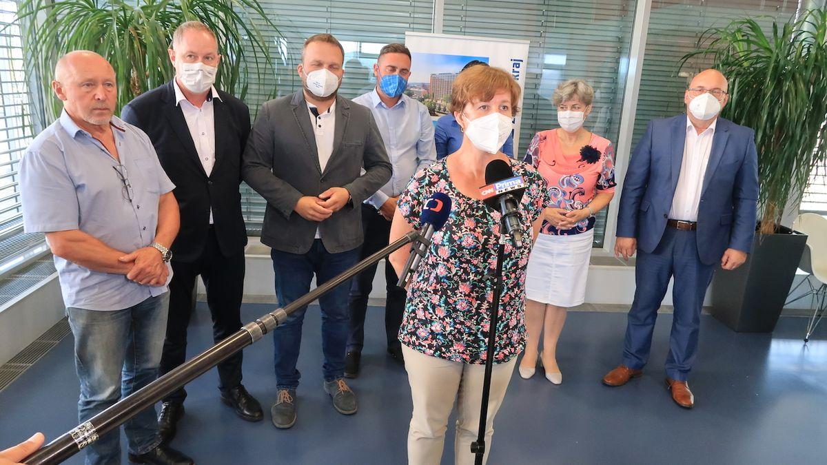 Bečvu nemusel otrávit kyanid, zaznělo před vyšetřovací komisí