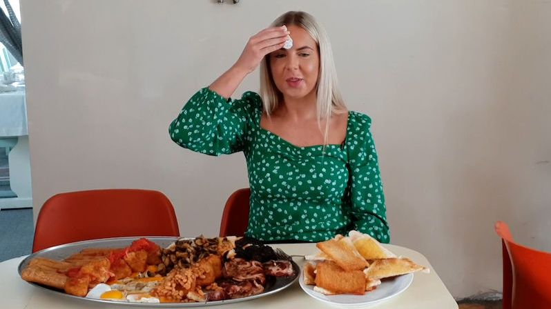 Největší britská snídaně si se zdravým životním stylem netyká