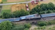 Letecké záběry z místa srážky vlaku a lokomotivy na Prostějovsku