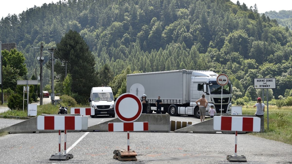 Slovensko v pátek otevře všechny hraniční přechody