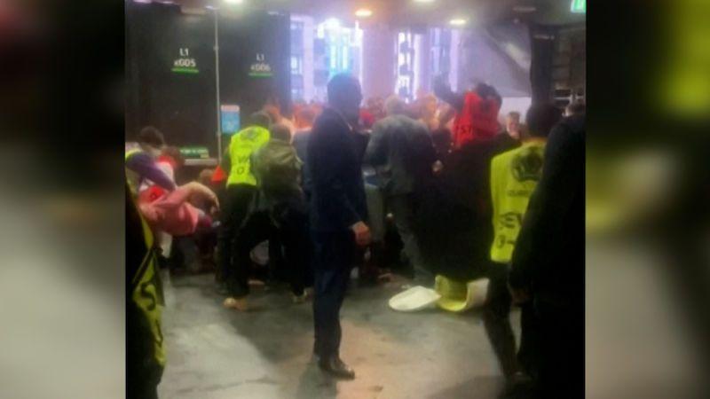 Anglická ostuda. Finále fotbalového Eura ve Wembley provázelo násilí
