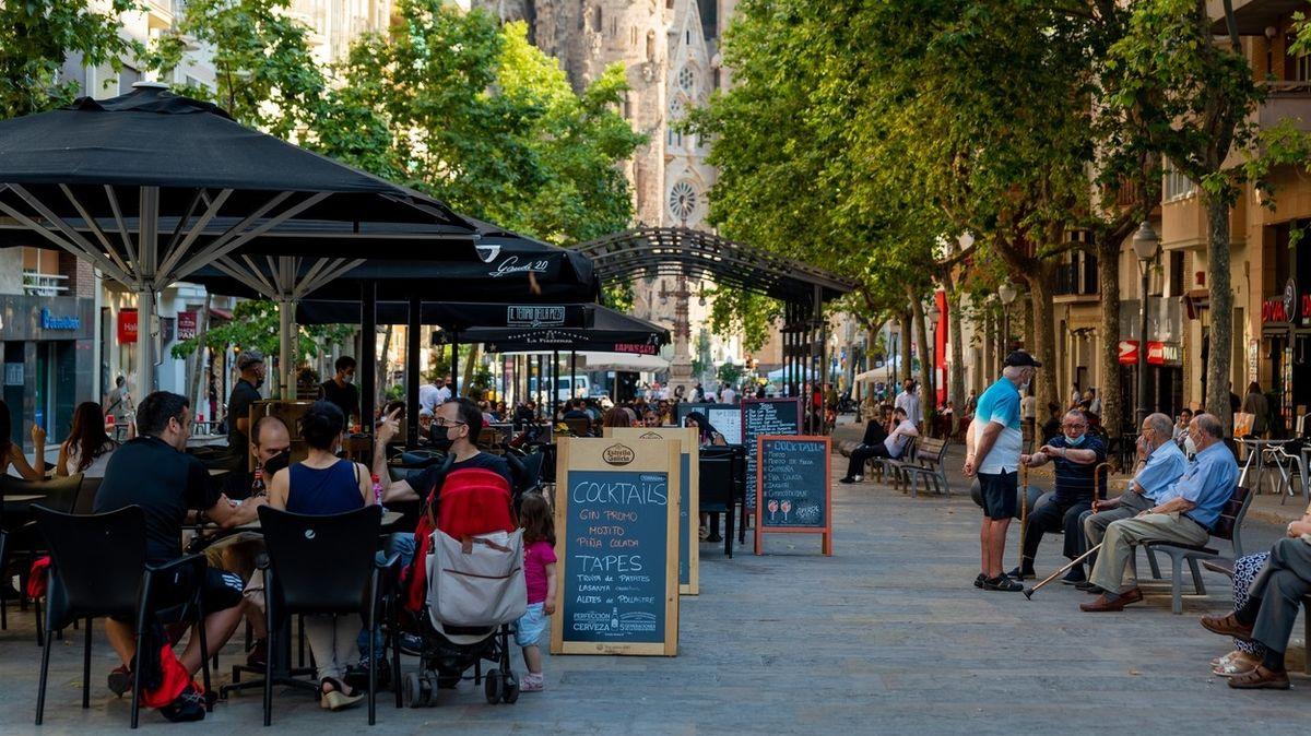 Katalánsko znovu zpřísňuje omezení kvůli strmému nárůstu nově nakažených