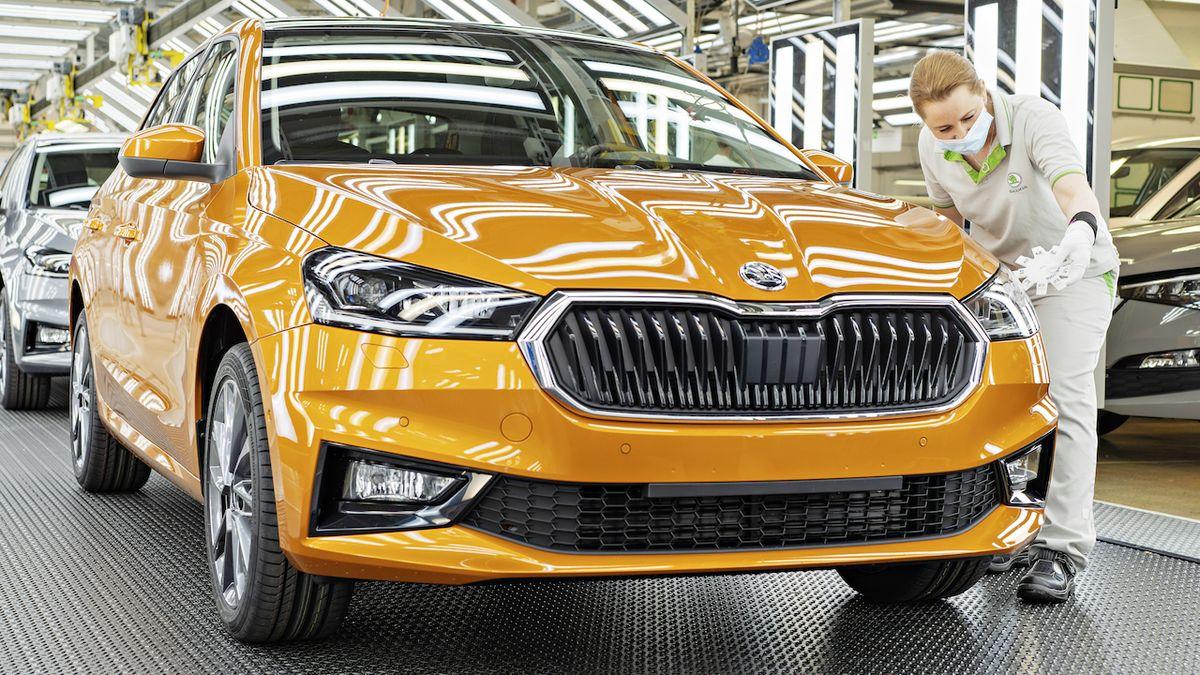 Škoda Auto zastaví na týden výrobu, stojí i kolínská automobilka