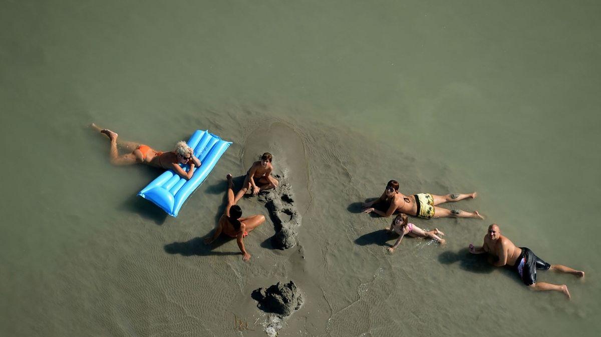 Dva nezletilí bratři se utopili v Balatonu