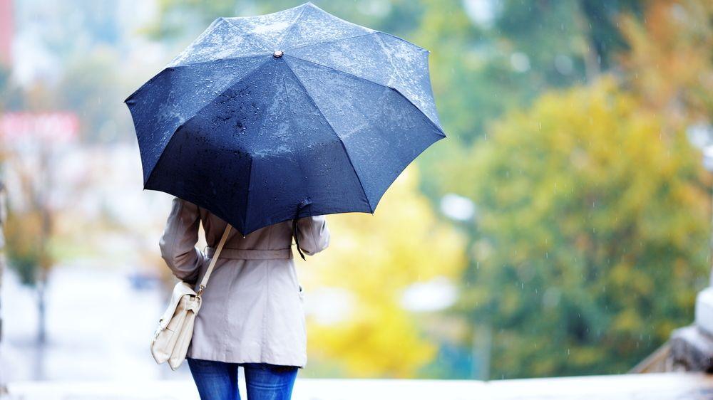 Podzim si letos pospíšil. Prázdniny zakončí chladno a déšť