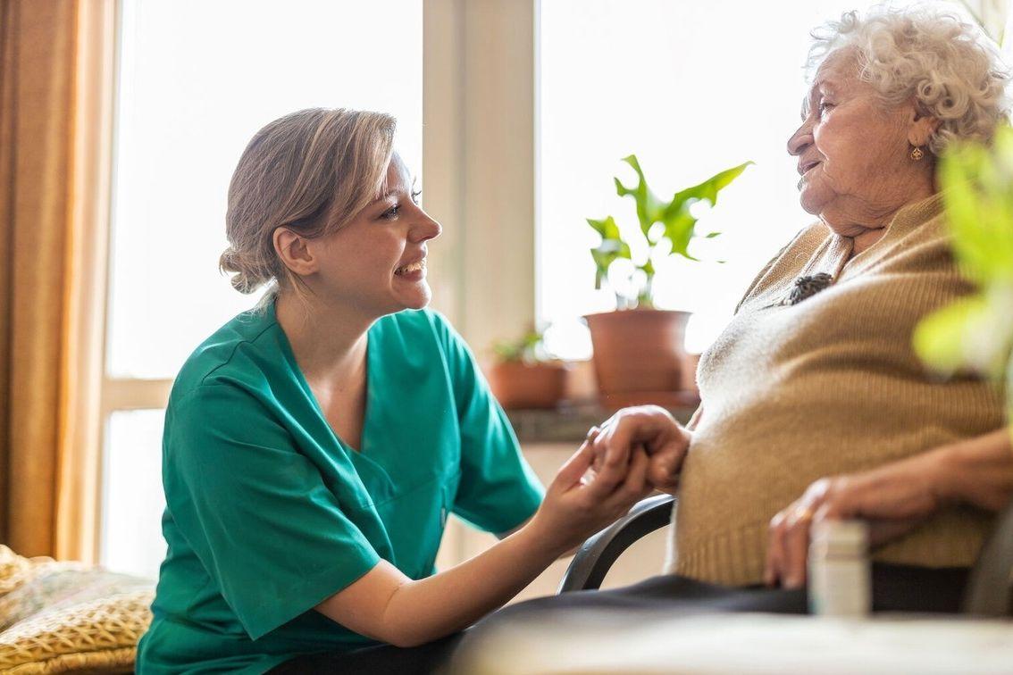 Demence není jen záležitostí starších lidí. Postihuje i ty výrazně mladší.