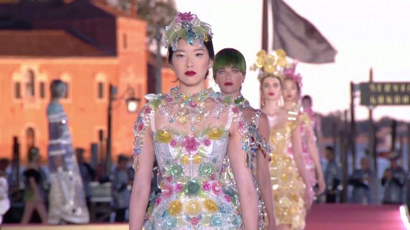 Přehlídka Dolce & Gabbana nabídla divákům velkolepou podívanou