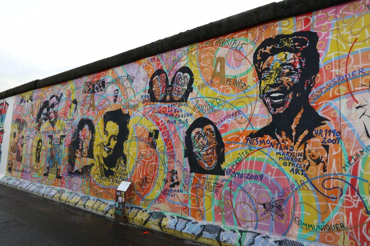 Prohlídka sleduje zejména osudy Berlínské zdi.