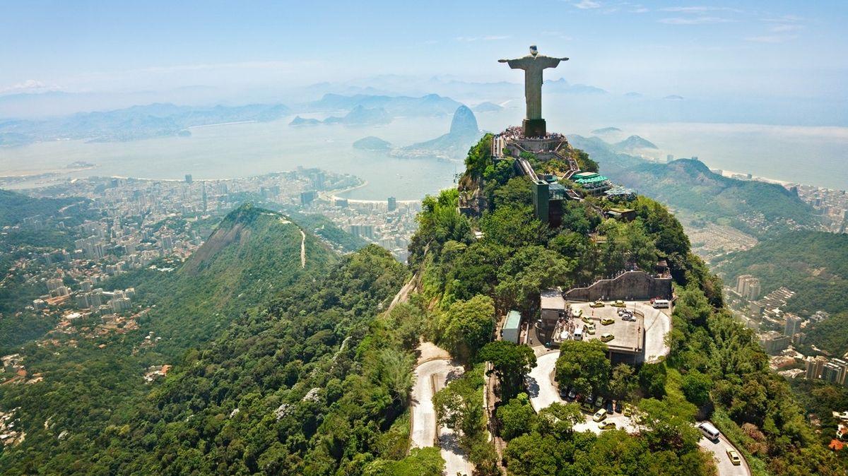 Socha Krista Spasitele patří mezi nejznámější brazilské dominanty.