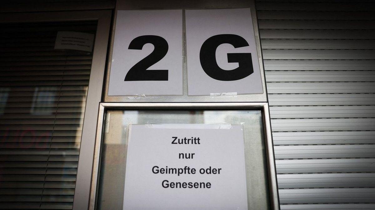 Žádné služby ani nákupy. V Hamburku si neočkovaný pořídí jen potraviny