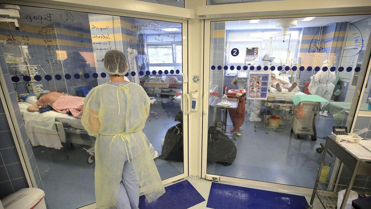 Interna karvinské nemocnice kvůli nedostatku personálu nepřijímá pacienty