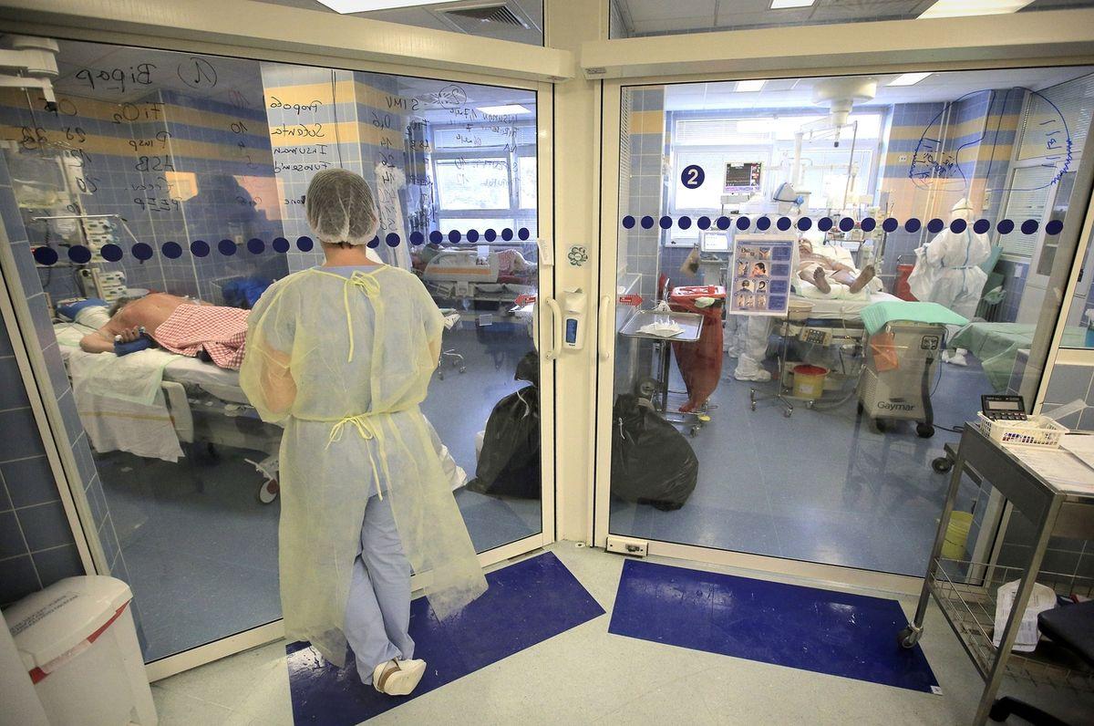 MAPA: Chcete pomoci? Přinášíme přehled nemocnic, které shánějí dobrovolníky