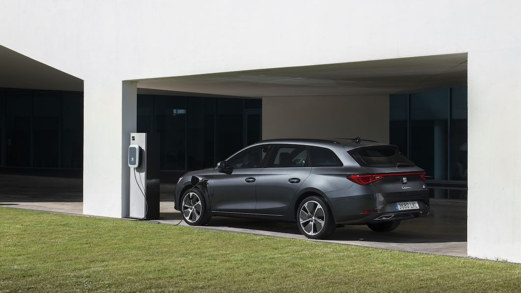 Za volantem Seatu Leon ST FR e-hybrid: Kombi do zásuvky, které je akční tak akorát